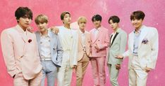 Comeback season is upon us! The K-Pop megastars give a taste of their new comeback album with a striking trailer of Suga rapping amidst a crowd of dark figur. Jason Kennedy, Giuliana Rancic, Zara Larsson, Pop Culture News, Brand New Day, Bts Fans, Pop Bands, News Channels, Bts Suga