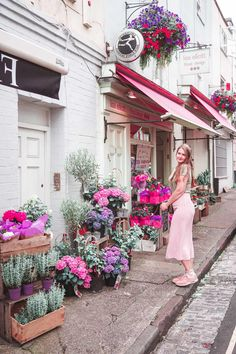 Free things to do in Bristol [+ London to Bristol bus promo code] Bristol London, Bristol Museum, Visit Bristol, Bristol England, Bristol Harbourside, Bristol Balloon Fiesta, Bristol Cathedral, Clifton Village, Great Buildings And Structures