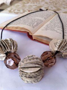 Book necklace via @Oxfordview