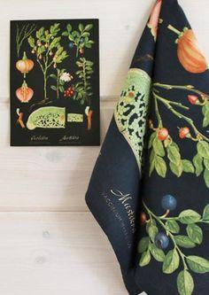 Ebba Masalinin opetustaulujen kukat kukkivat sisustustuotteissa | Meillä kotona