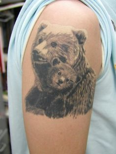 Micro mama bear and cub in a starry night with ursa major for Bear cub tattoo