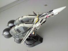 Model w/ Booster Rocket Macross Valkyrie, Robotech Macross, Sf Movies, Fantasy Model, Sci Fi Models, Sci Fi Ships, Movie Props, Anime Figures, Plastic Models