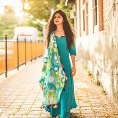 Arishfa Khan Images, TikTok Star Arishfa Khan new Images Girl Photo Poses, Girl Photography Poses, Girl Photos, Bokeh Photography, Hd Photos, Stylish Girls Photos, Stylish Girl Pic, Indian Fashion Dresses, Indian Outfits