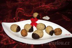 Vánoční cukroví a pečení | Vaříme s Marcelou.cz Cookies, Desserts, Food, Crack Crackers, Tailgate Desserts, Deserts, Biscuits, Essen, Postres