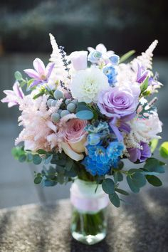 Wedding bouquet in pastel colours. Loraine Ross Photography