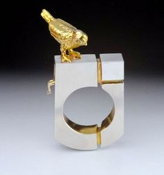 JiChang Chai Ring: Hide and Seek, 2012 Silver &14k gold plating 4 x 2,2 cm