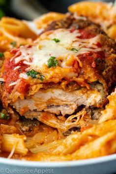 Perfectly Crispy Chicken Parmesan topped with a rich homemade marinara sauce, melted mozzarella and parmesan and garnished with fresh herbs! Chicken Parmesan Recipes, Crispy Chicken, Linguine, Vegetarian Recipes, Cooking Recipes, Healthy Recipes, Easy Recipes, Meat Sauce Recipes, Classic Italian Dishes