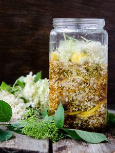 Nalewka z kwiatów czarnego bzu - nastawiamy?:) - Klaudyna Hebda Preserves, Cantaloupe, Food And Drink, Fruit, Vegetables, Drinks, Cooking, Outdoor Decor, Recipes