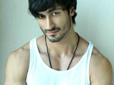 Bollywood newcomer Vidyut Jamwal, who made his debut in the 2011 film Force, has just signed up to Instagram and boy, does he know how to make a grand opening!