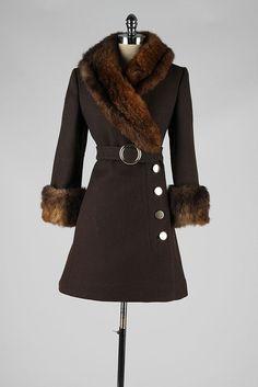 vintage 1960s coat . brown wool . fur trim . by millstreetvintage