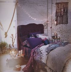 Urban outfitters apartment decor blanket and pillows!!!