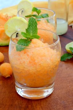 To beat the heat this summer and keep your cool, here is a refreshing and super easy to make Italian dessert, Cantaloupe Lemon Mint Granita. Delicious Vegan Recipes, Raw Food Recipes, Sweet Recipes, Dessert Recipes, Yummy Food, Juice Recipes, Drink Recipes, Hot Weather Meals, Cantaloupe Recipes