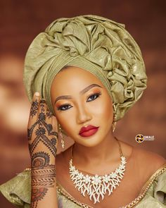 Kanuri Brides-to-be, Today's Bridal Beauty Look is For You! African Hair Wrap, African Hats, African Head Wraps, African Dress, African Style, African Beauty, Scarf Hairstyles, African Hairstyles, Black Hairstyles