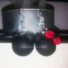 Orecchini pendenti realizzati in Fimo. Minnie e Topolino :)