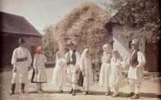 Vintage Photographs, Vintage Images, Economic Problems, Vogue Covers, Romania, 1930s, Mount Rushmore, Amen, Folk