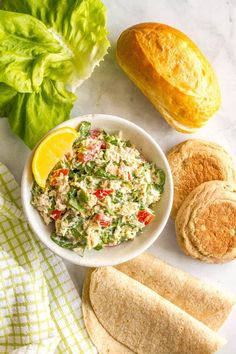 Tuna spinach salad with tomatoes and mozzarella is a light, fresh and healthy lunch ready in just 10 minutes! Serve it as a salad, in a wrap, with crackers or as an open-faced melt! | www.familyfoodonthetable.com