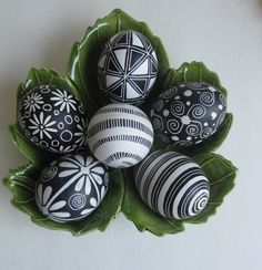 Easter Eggs set of 6 chicken eggs in Black and White, Ukrainian Easter eggs Pysanky. Cute way to display them.