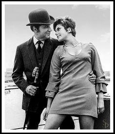 Avengers stars Patrick Macnee & Linda Thorson on the Thames