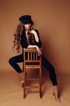 - The Princess and the Pea Coat – sitting down poses – the The Pea Ma … The Princess and the pe - Studio Photography Poses, Studio Poses, Fashion Photography Poses, Photography Women, Modelling Photography, Studio Shoot, Studio Portraits, Photography Tips, Black Photography