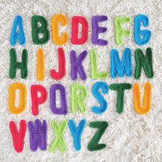 インテリア 壁掛け アルファベット 文字 編み図あり アルファベットのページです。