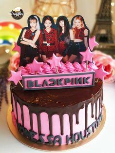 Pretty Birthday Cakes, My Birthday Cake, Fondant Cakes, Cupcake Cakes, Bts Cake, Korean Cake, Fathers Day Cake, Bts Birthdays, Gift Cake