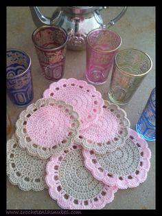 Crochet Bib, Crochet Coaster Pattern, Crochet Turtle, Granny Square Crochet Pattern, Crochet Home, Cute Crochet, Crochet Motif, Crochet Doilies, Easy Crochet