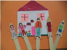 Αποτέλεσμα εικόνας για οικογενεια κατασκευες νηπιαγωγειο My Family, Home And Family, Flower Arrangements, Kindergarten, Blog, Fictional Characters, Classroom Ideas, Houses, Education