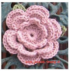 bloemen haken gratis haakpatronen free crochet flower patterns crocheted flowers Crochet Flower Hat, Crochet Flower Patterns, Crochet Shawl, Diy Crochet, Flower Hats, Crochet Baby, Crochet Embellishments, Flower Quotes, Irish Crochet