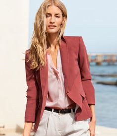 Great AFFORDABLE blazer from H & M- no excuses to look professional at that interview! http://www.hm.com/ca/product/02119?article=02119-B#