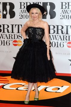 Kylie Minogue na Brit Awards 2016. | Diva.sk