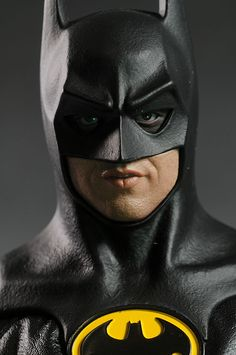1989 Batman Michael Keaton action figure by Hot Toys Batman Poster, Batman Artwork, Batman Wallpaper, Batman Batmobile, Batman Arkham, Michael Keaton Batman, Im Batman, Batman Robin, Superman