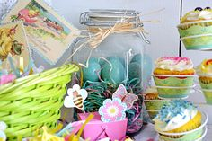 Easter Baking with World Market : Easter Tablescape
