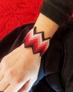 Red zig zag wide macrame cuff,Adjustable,Luxurious jewelry,Macrame jewelry,Macrame jewelry,Wide macrame,Knotted wide bracelet Macrame Jewelry, Macrame Bracelets, Gemstone Jewelry, Jewelry Crafts, Jewelry Art, Fine Jewelry, Ring Finger Tattoos, Jewelry Logo, Macrame Patterns
