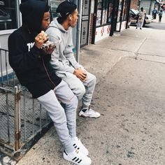 Different Types Of Sneakers Every Man Needs Fresh Outfits, Modern Outfits, Cool Outfits, Casual Outfits, Men's Outfits, Everyday Shoes, Men's Wardrobe, Black People, Mens Clothing Styles