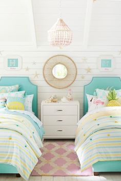 16 - Coco Flamingo Bedroom 27 Unbelievably Stunning Kids Bedroom Ideas You Should Try Girls Bedroom Colors, Teen Girl Bedrooms, Little Girl Rooms, Teenage Beach Bedroom, Tween Bedroom Ideas, Bedroom Beach, Bedroom Loft, Master Bedroom, Preteen Girls Rooms