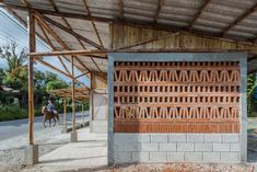 Bamboo social housing in rural Mexico can be built by residents in a week