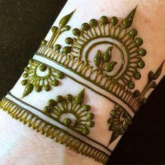 61 Easy, Simple and Traditional Henna Arabic Mehndi Designs - Sensod - Create. Mehndi Patterns, Arabic Mehndi Designs, Mehndi Design Images, Henna Designs Easy, Beautiful Henna Designs, Bridal Mehndi Designs, Henna Tattoo Designs, Henna Designs Wrist, Henna Tattoos