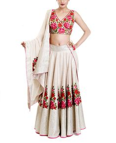 Looking for floral print blouse with plain white skirt and floral resham work embroidery? Browse of latest bridal photos, lehenga & jewelry designs, decor ideas, etc. on WedMeGood Gallery. Lehenga Designs, Indian Attire, Indian Ethnic Wear, Indian Dresses, Indian Outfits, Ethnic Outfits, Indian Bridal Wear, Indian Couture, Bollywood Fashion