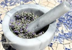 make lavender essential oil from scratch!