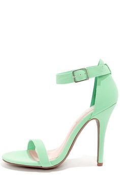 Your search ends at the Enzo, for the perfect little mint heel! The Anne Michelle Enzo 01 Mint Single Strap Heels keep it classic in gorgeous mint green.