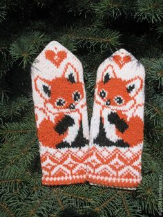 Lots of mittens Crochet Mittens, Mittens Pattern, Crochet Gloves, Knitted Hats, Knitting Charts, Baby Knitting, Knitting Patterns, Fair Isle Knitting, Yarn Crafts