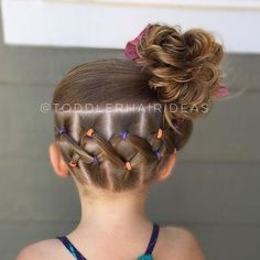 "Toddler hair ideas ""Criss-crossed elastics in the back and a messy bun! I hope… Toddler hair ideas ""Criss-crossed elastics in the back and a messy bun! I hope you have a happy Sunday! You can barely…"" Girls Hairdos, Baby Girl Hairstyles, Back To School Hairstyles, Princess Hairstyles, Trendy Hairstyles, Braided Hairstyles, Hairstyles 2016, Asian Hairstyles, Female Hairstyles"
