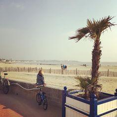 Un air de printemps sur la plage de la Grande Conche ce samedi #royan #royantourisme #charentemaritimetourisme #igerscharentemaritime