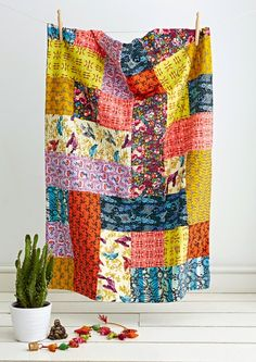 Kantha Throw quilt by Jo Avery at myBearpaw, in: Love Patchwork & Quilting Magazine