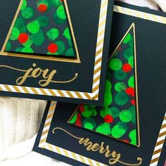 Easy Christmas cards when you want to craft with kids. Myself and grace, we sat together and relaxed in the evening making these fingerprint Christmas tree cards for her little friends. (See her in the stories) this is probably the perfect answer to Painted Christmas Cards, Simple Christmas Cards, Kids Christmas Ornaments, Christmas Tree Cards, Christmas Games, Christmas Printables, Handmade Christmas, Christmas Crafts, Crafty Angels
