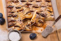 Foto: Mona Lorenz Dairy, Cheese, Food, Pear Recipes, Sheet Cakes, Oven, Cooking Recipes, Meal, Essen