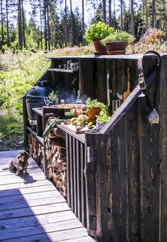 Backyard Kitchen, Summer Kitchen, Small Cabin Interiors, Hot Tub Patio, House In The Woods, Garden Design, Home And Garden, Cottage, Outdoor Decor
