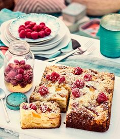 Australian Gourmet Traveller recipe for peach, raspberry and ricotta crumble cake. Ricotta, Cupcakes, Cupcake Cakes, Fruit Cakes, Strudel, Chocolate Filled Strawberries, Cobbler, Crepe Suzette, Picnic Foods
