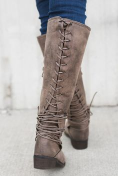 Boise Lace Up Boots (Taupe)