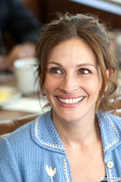 Julia Roberts, her nose is like mine! Thank god hers looks like that when she smiles. hahah I was starting to become self conscious.